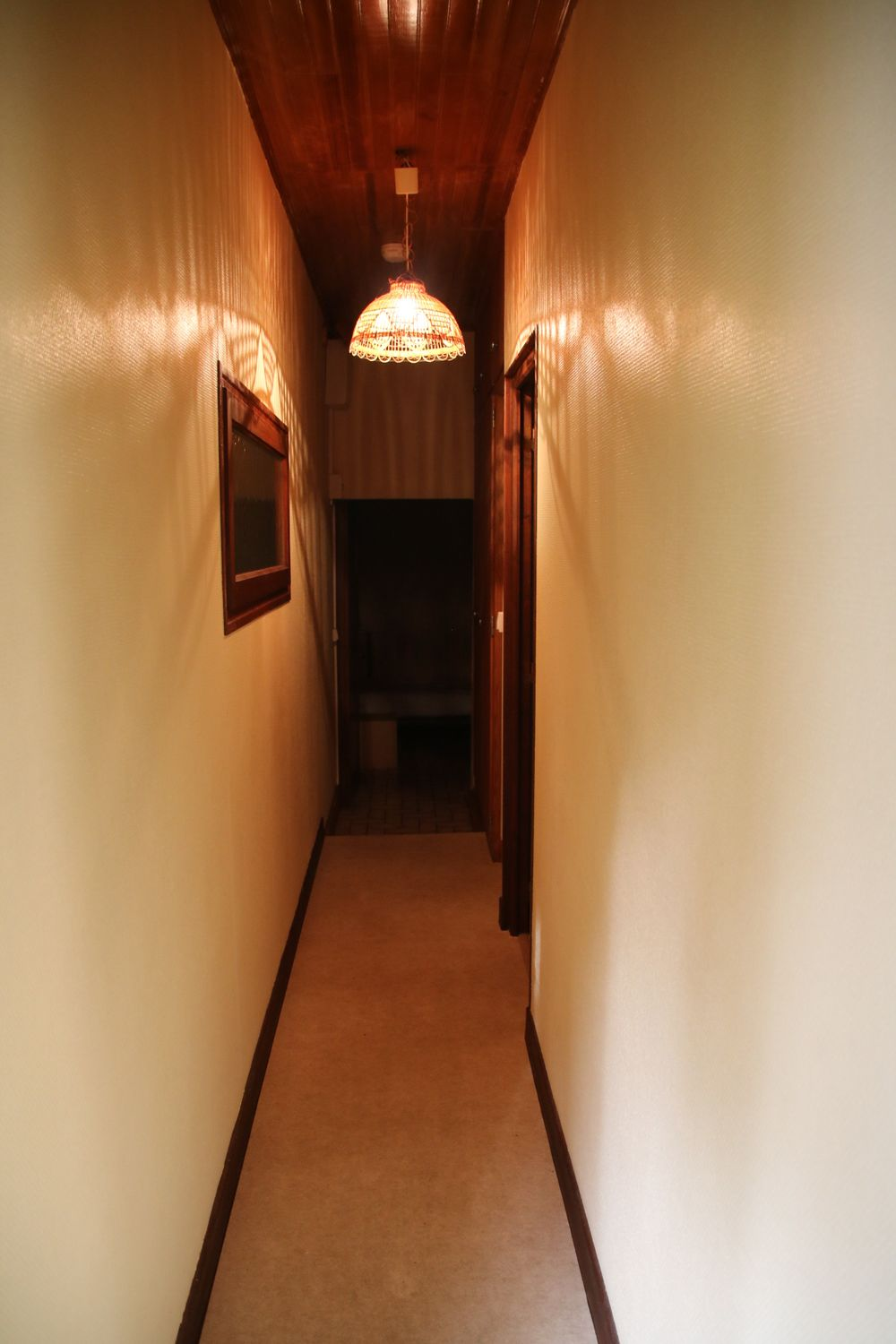 Couloir vers chambres et SdB